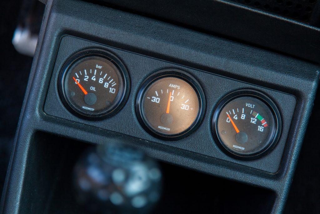 VW Golf 1 GTI Pirelli Zusatzinstrumente