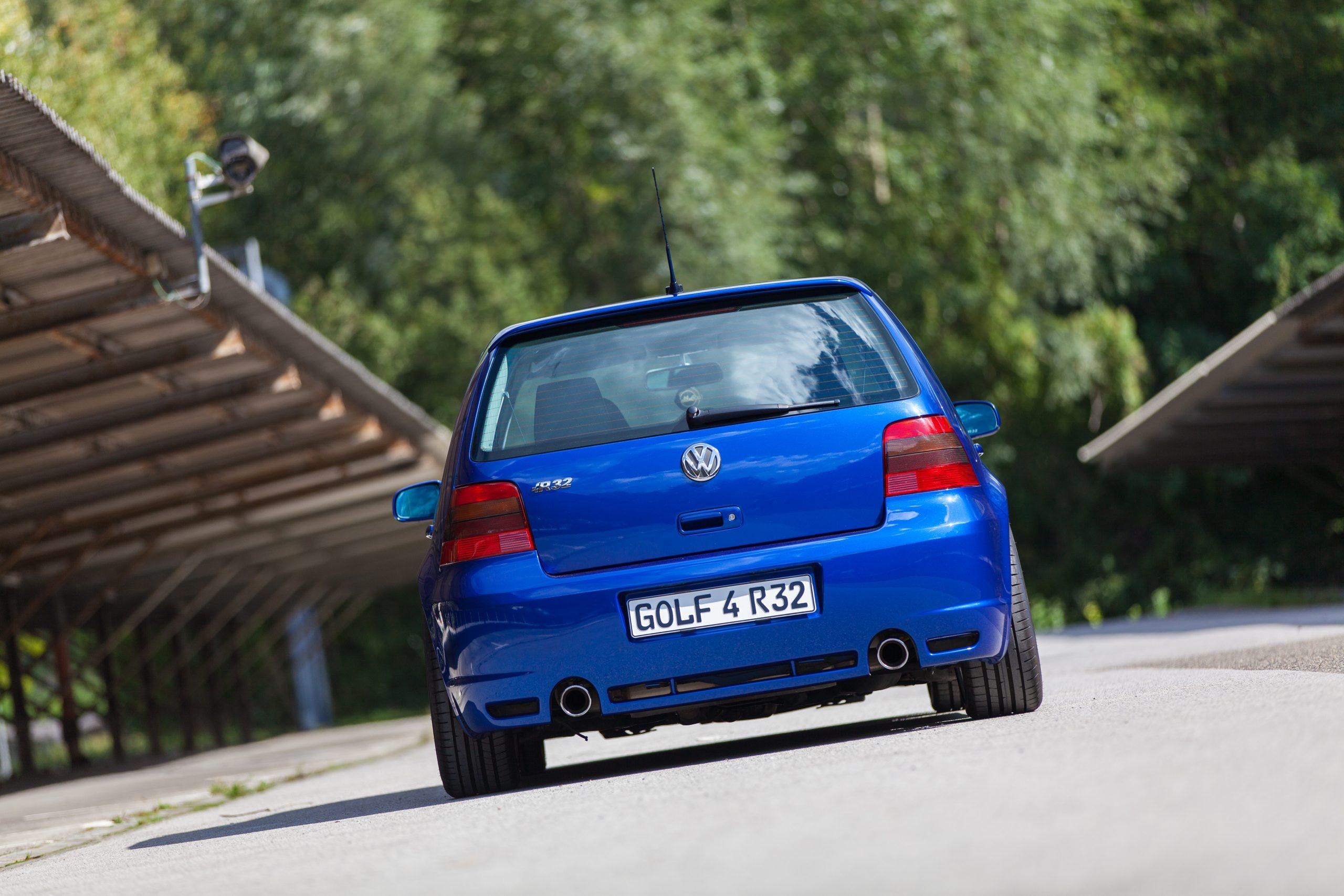 VW Golf 4 R32 deepblue
