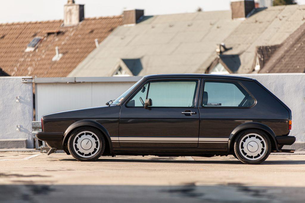 VW Golf MK 1 Pirelli DX